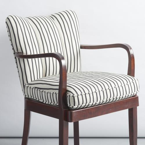 Beautiful small italian armchair in Armchairs