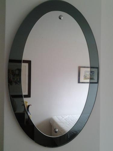 Cristal Arte oval mirror