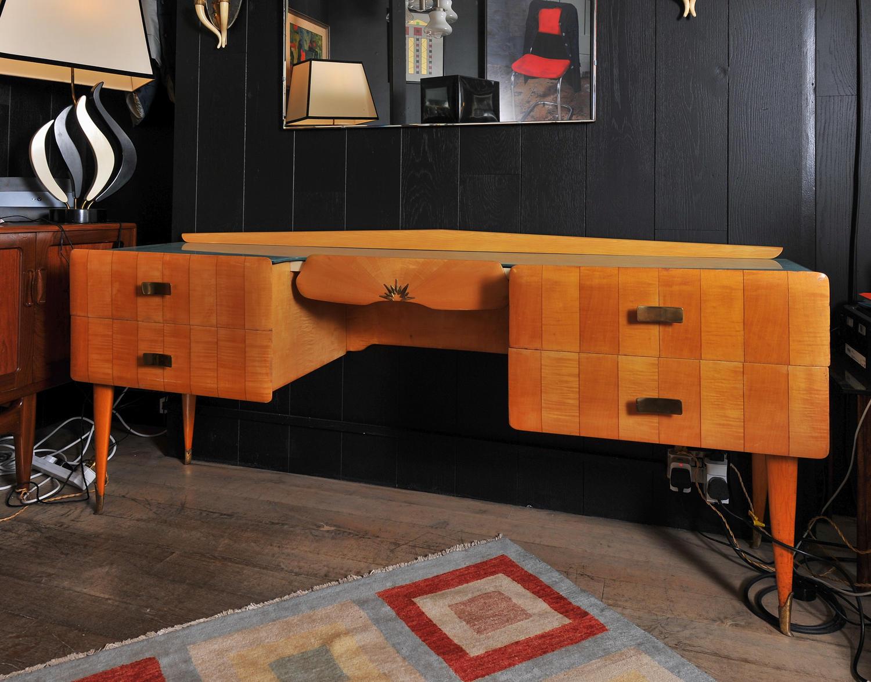 Beautiful Italian dressing table