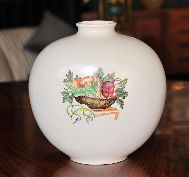 Giovanni Gariboldi for Richard Ginori vase