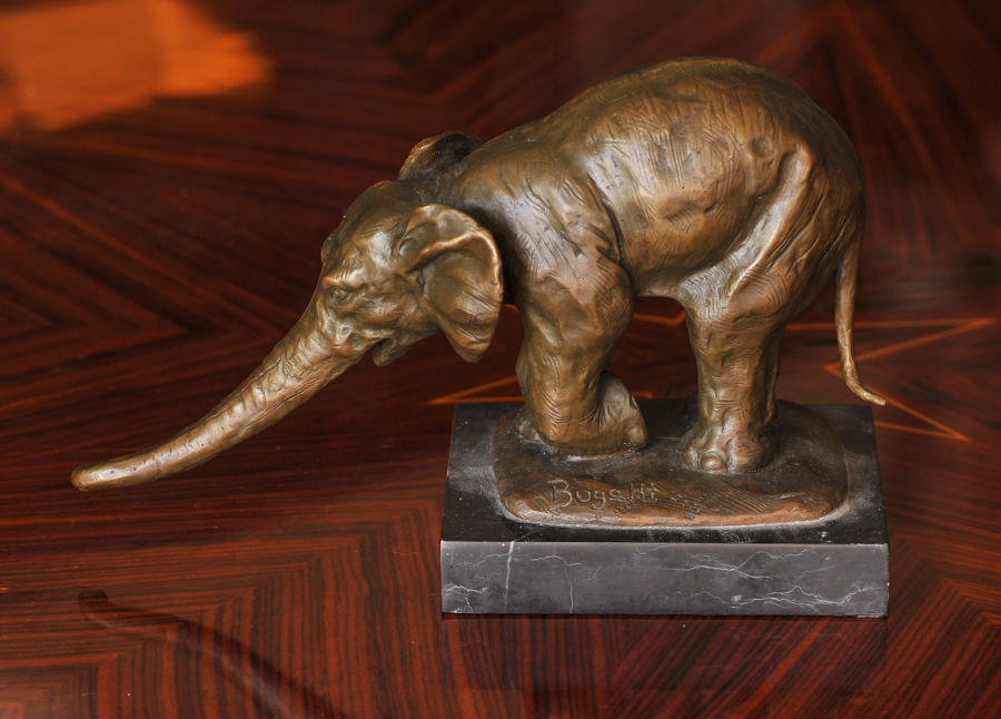 Bronze elephant sculpture, signed Bugatti