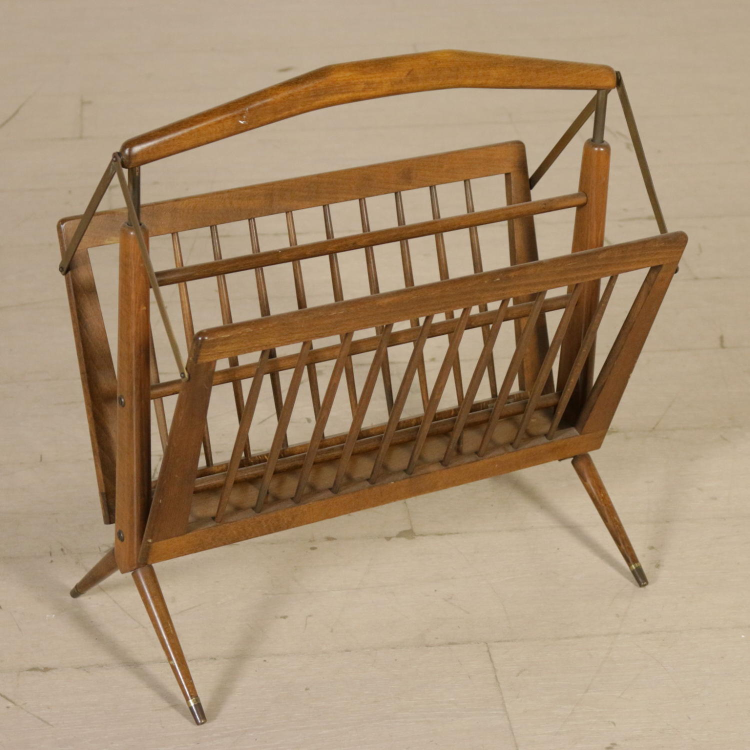 Franco Albini magazine rack